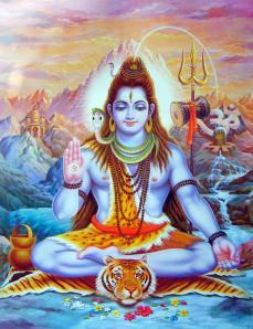 """En el marco del hinduismo, Shiva es uno de los dioses de la Trimurti ('tres-formas' o """"Trinidad hinduista"""", en la que representa el papel de dios destructor) junto con Brahmá (dios creador) y Visnú (dios preservador). Dentro del shivaísmo es considerado el Dios supremo."""